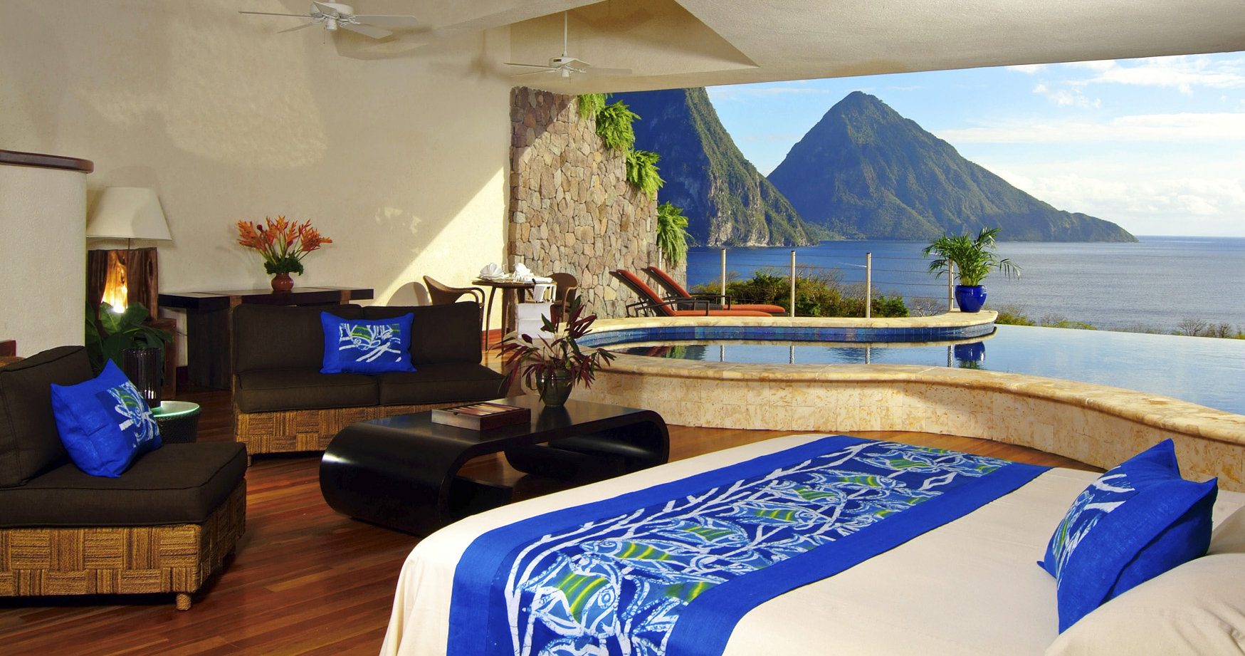 Hotel review jade mountain st lucia the luxury travel for Intimate hotel