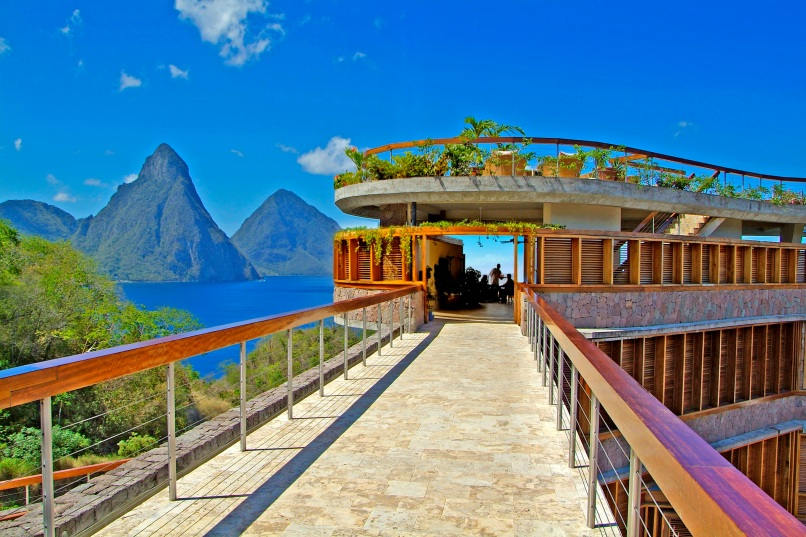 JADE MOUNTAIN WALKWAY