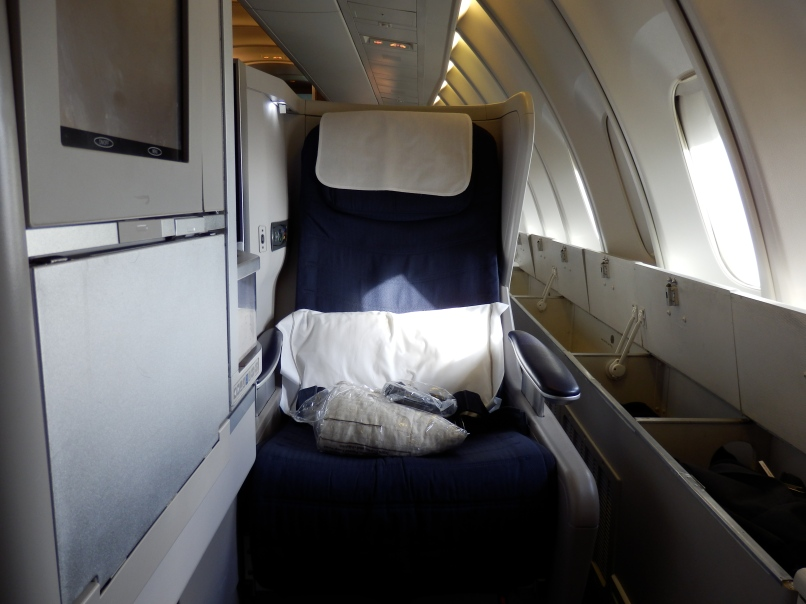 BRITISH AIRWAYS CLUB WORLD SEAT WITH EXTRA STORAGE SPACE
