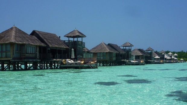 VILLA SUITES AT HIGH TIDE