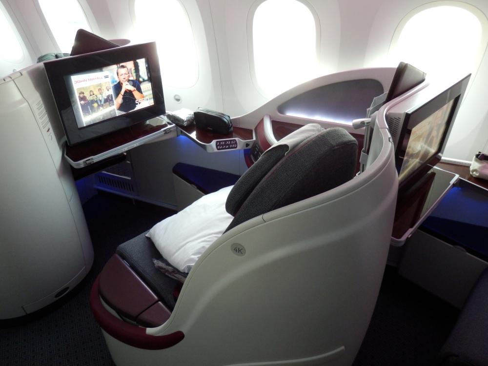 SIDE SEATS