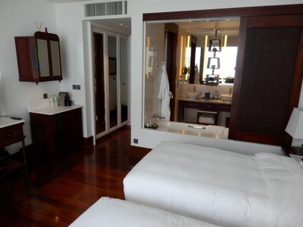 BEDROOM WITH OPEN PLAN BATHROOM