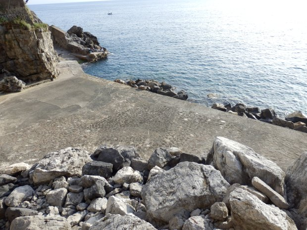 COVE & BEACH BELOW THE HOTEL (TERRACE WIL BE FILLED WITH SUN LOUNGERS IN SUMMER)