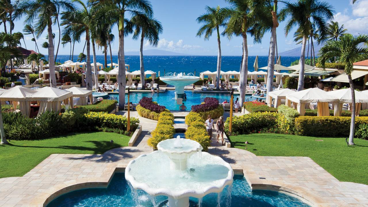 Top 12 best family hotels in the world 12 best family for Nicest hotels in maui