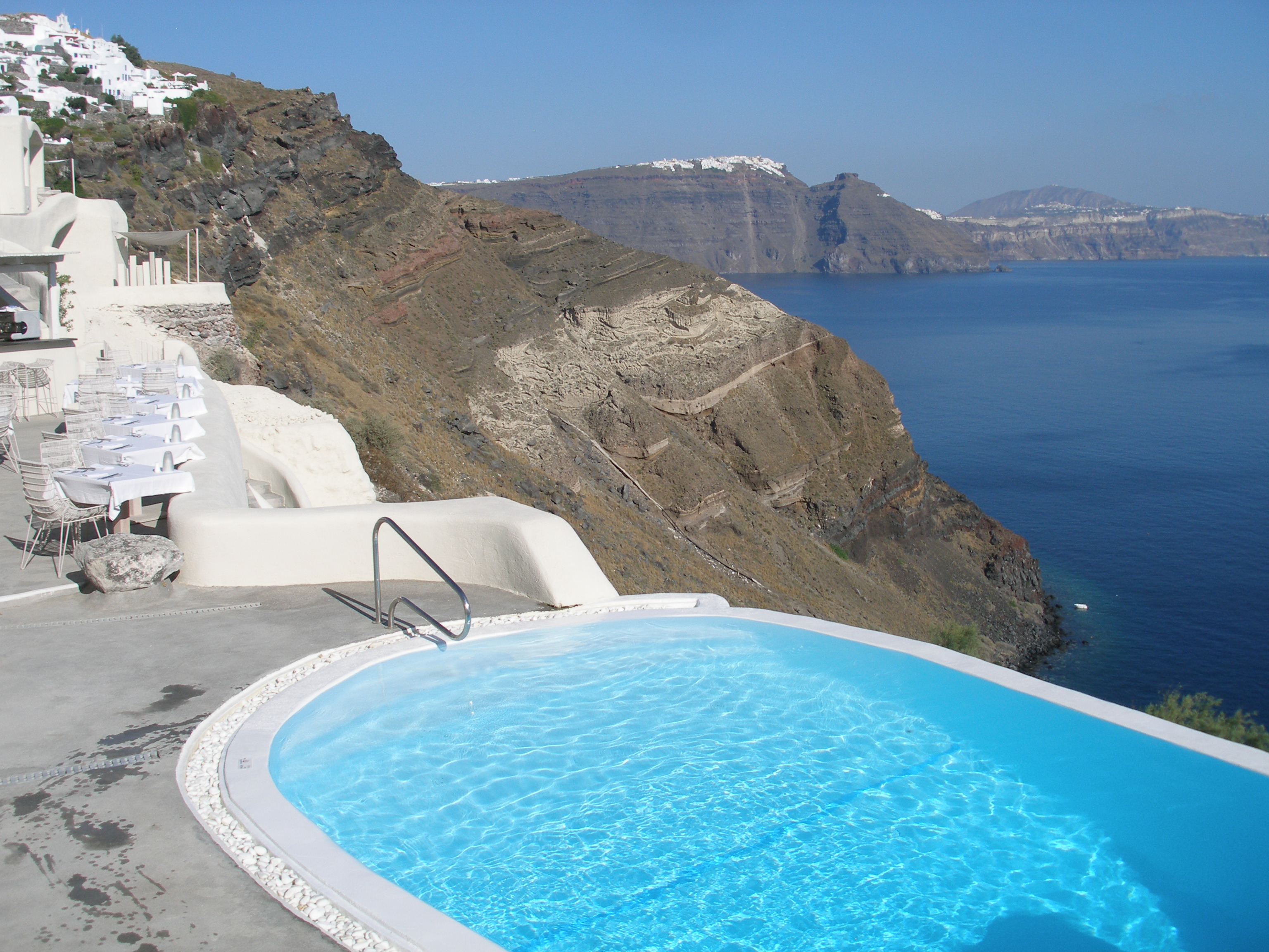Hotel review mystique santorini greece the luxury travel expert - Infinity pool europe ...