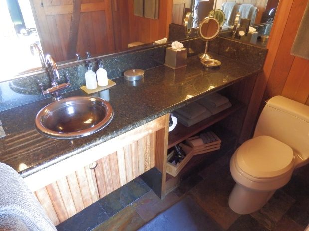 OCEAN HOUSE - BATHROOM