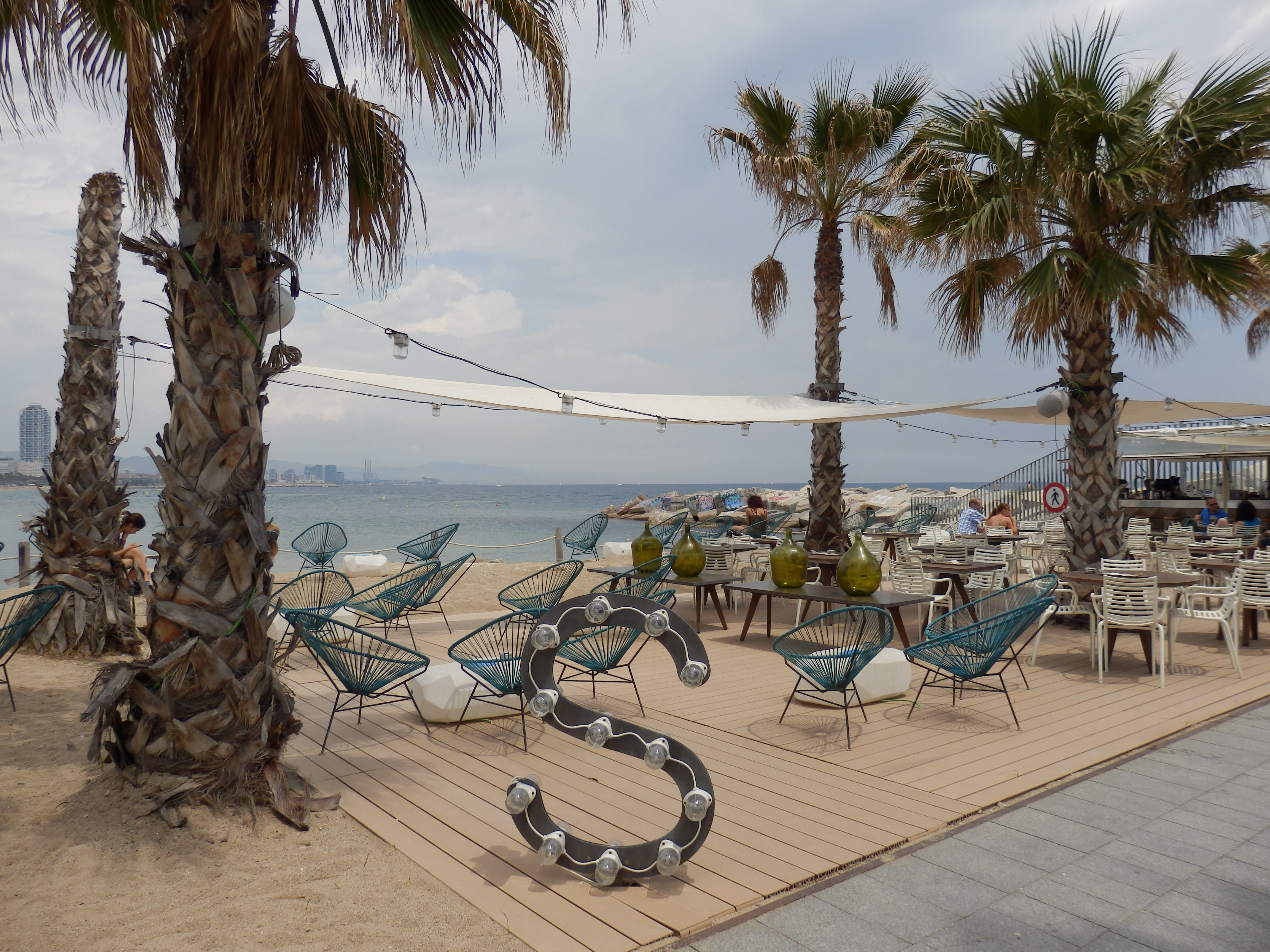 Salt restaurant on the beach the luxury travel expert - Salt w barcelona ...