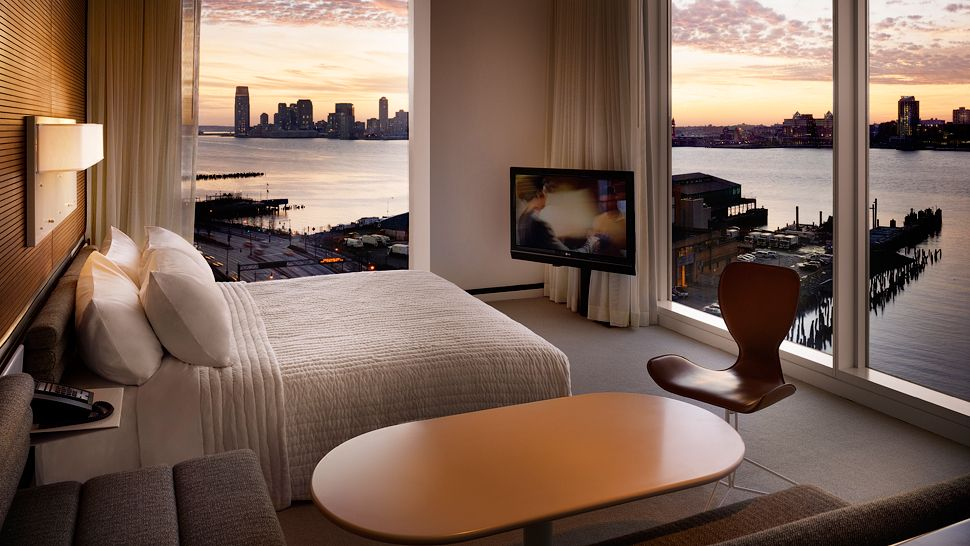 Top 10 best luxury hotels in new york the luxury travel for Nyc living room ideas