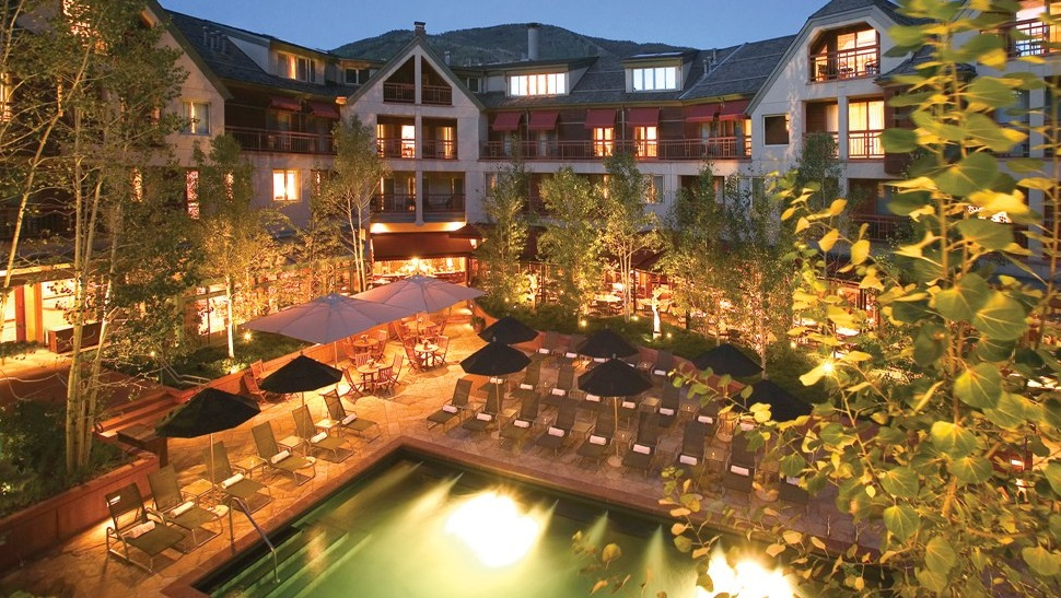 Top 10 luxury hotels loved by celebrities the luxury for Small luxury hotel 7 little words
