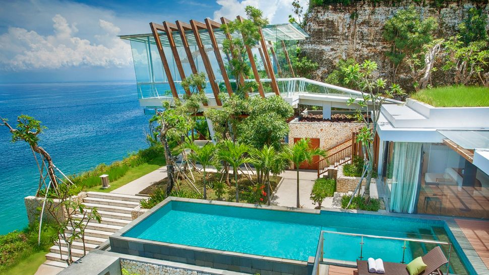 Top 10 best luxury resorts in bali indonesia the for Good accommodation in bali