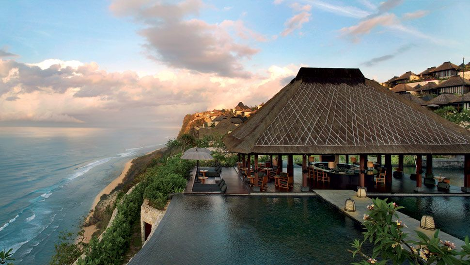 Top 10 best luxury resorts in bali indonesia the for Motel luxury