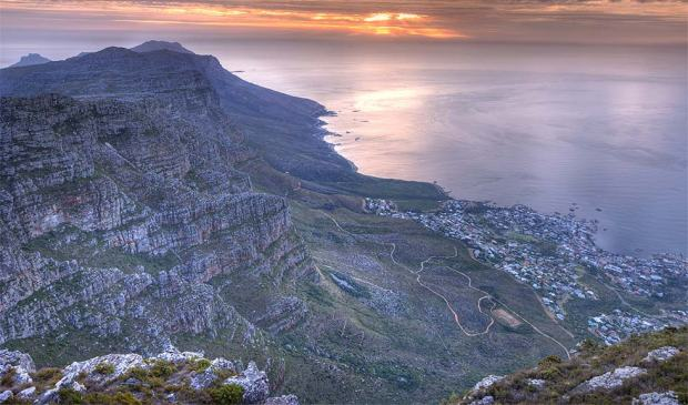 VIEW FROM TABLE MOUNTAIN TOWARDS HOTEL