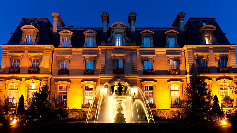 Top 10 best luxury hotels in paris the luxury travel expert for Luxury hotels paris france