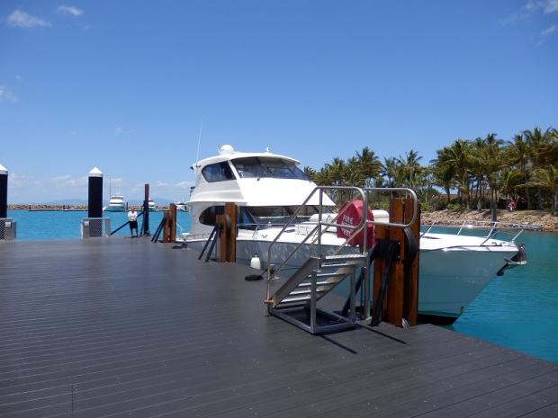 LEAVING HAYMAN ISLAND BY LAUNCH