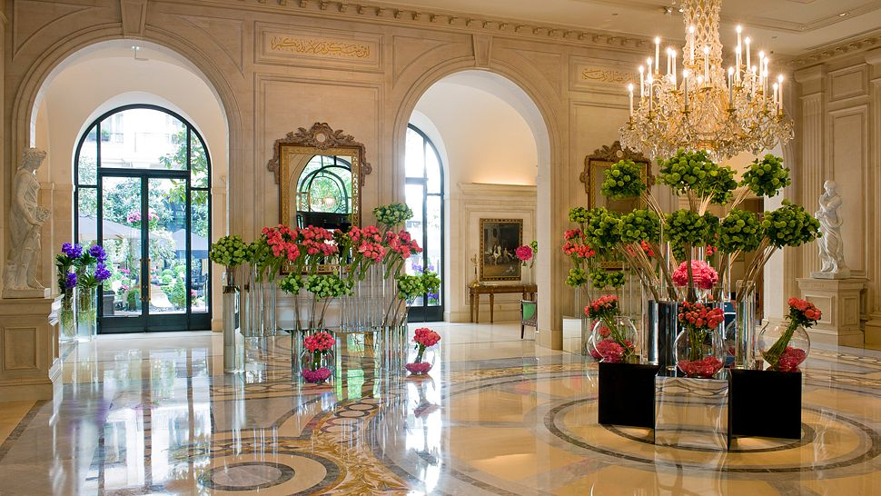 Top 10 most amazing hotel lobbies in the world the for Top design hotels in paris