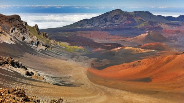HALEAKALA NATIONAL PARK - CRATER VIEW