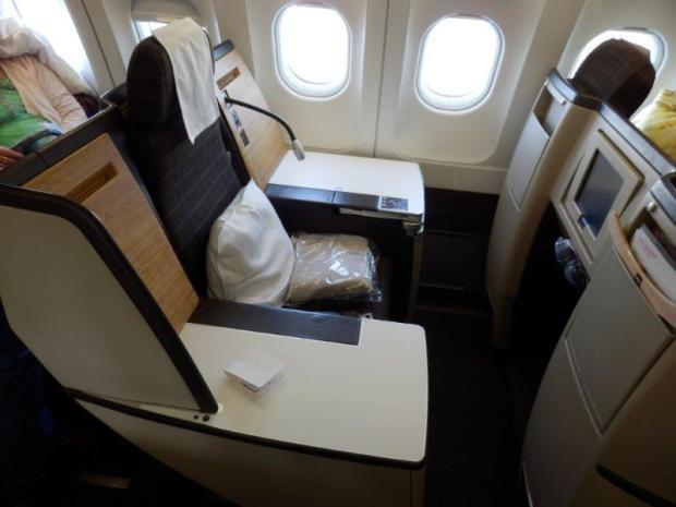 SEAT 8A