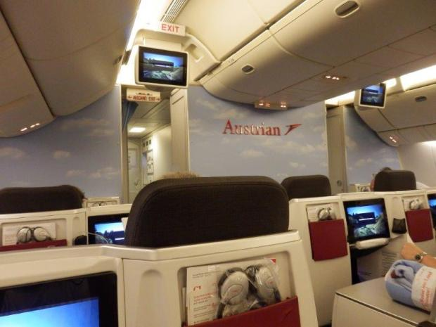 BUSINESS CLASS SEAT 3A: VIEW FROM SEAT
