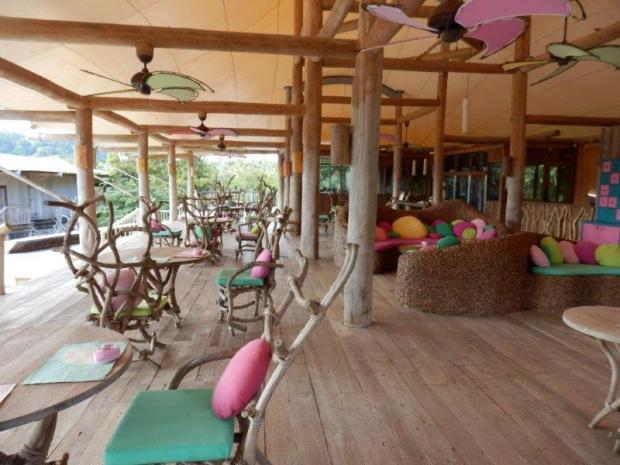 SONEVA KIRI'S CENTRAL PAVILIONS: BAR