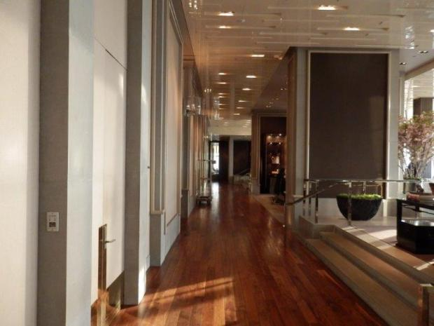 LOBBY ON 87TH FLOOR