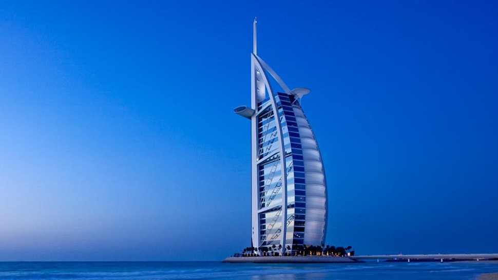 Travel tip how to stay for free at a luxury hotel the for Luxury travel in dubai