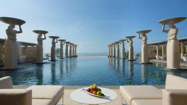 STAY FOR FREE AT THE MULIA BALI, INDONESIA, WITH YOUR SOCIAL MEDIA FOLLOWING
