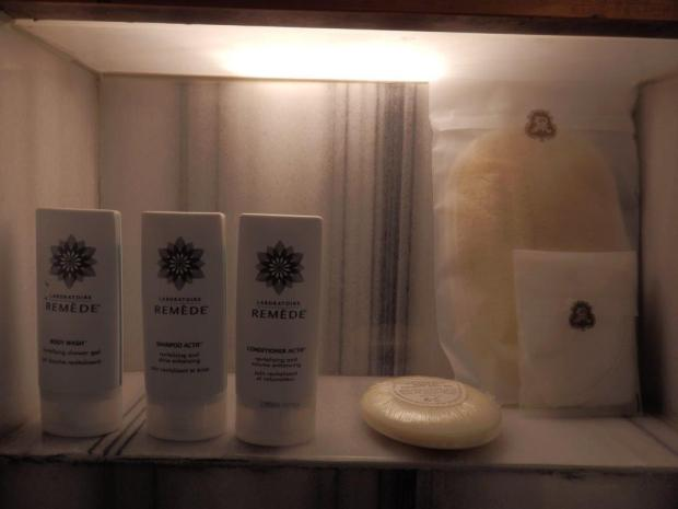 GRAND DELUXE ROOM: REMEDE SPA AMENITIES