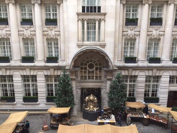 HOTEL'S INNER COURTYARD: SUNDAY MARKET