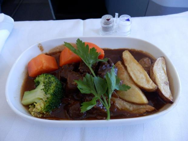 LUNCH: MAIN COURSE: BEEF BURGUNDY