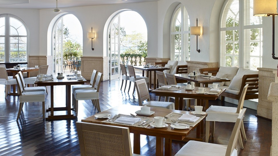 Hotel review como parrot turks caicos the luxury for Terrace restaurant charlotte