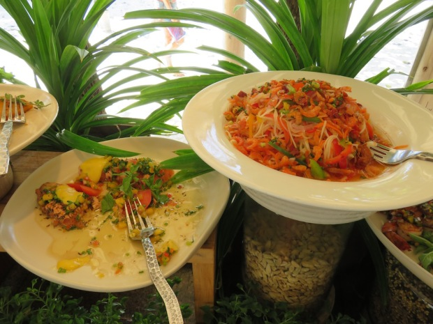MIHIREE MITHA RESTAURANT: LUNCH BUFFET