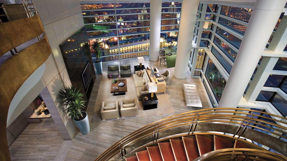 casino one five villa lucre