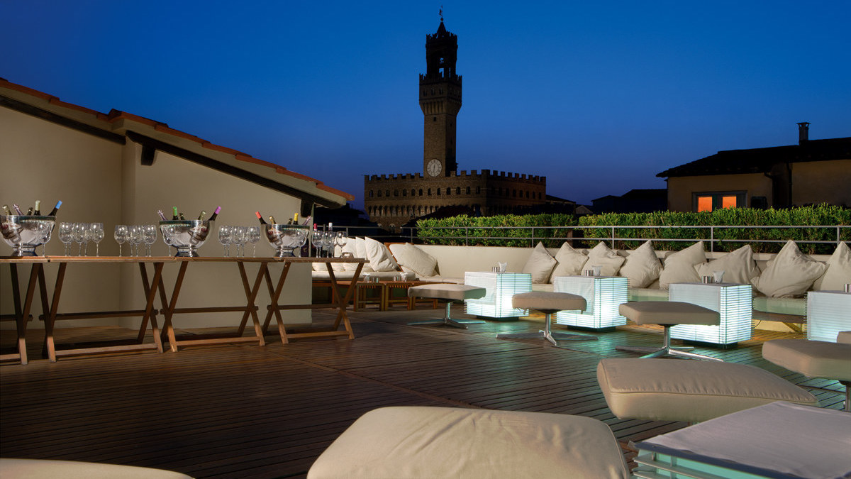Top 10 europe s most stunning hotel rooftops the luxury for Hotel design florence italie