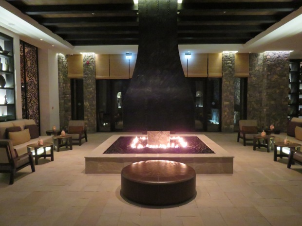 LOBBY (AT NIGHT)