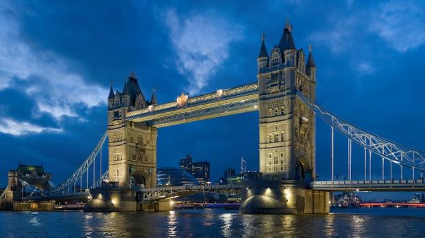 TOWER BRIDGE LONDON, UK