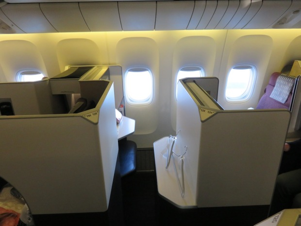 BUSINESS CLASS SEAT 12K: ENTRANCE