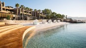 7. CARESSE, A LUXURY COLLECTION RESORT & SPA