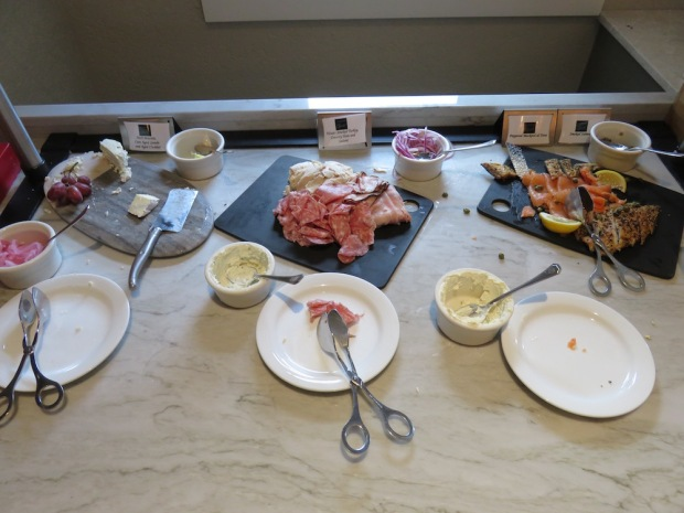 FAIRMONT GOLD LOUNGE: BREAKFAST