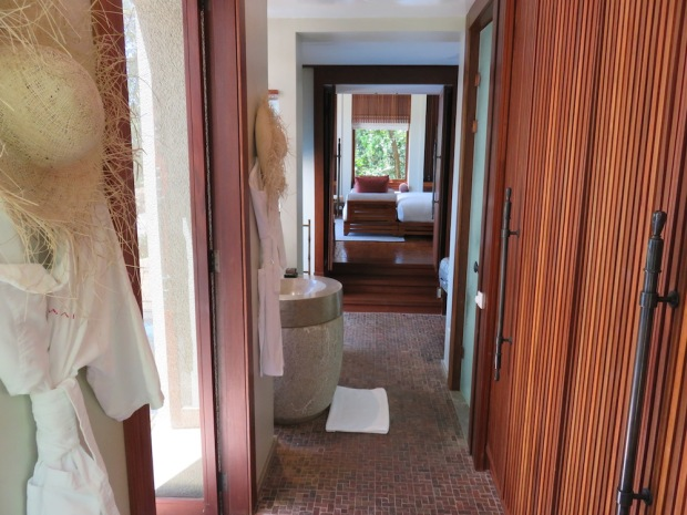 OCEAN PANORAMIC VILLA: BATHROOM