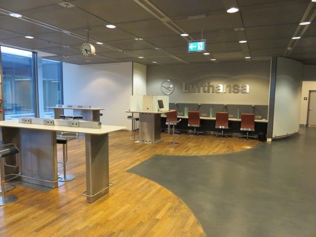 LUFTHANSA BUSINESS LOUNGE AT FRANKFURT