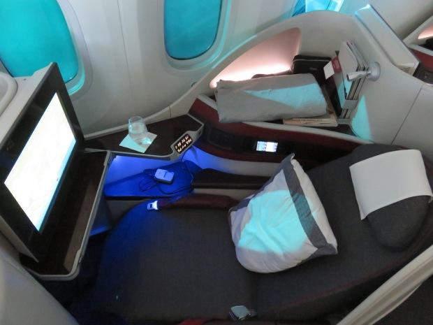 BUSINESS CLASS SEAT 4K (IN FLIGHT)