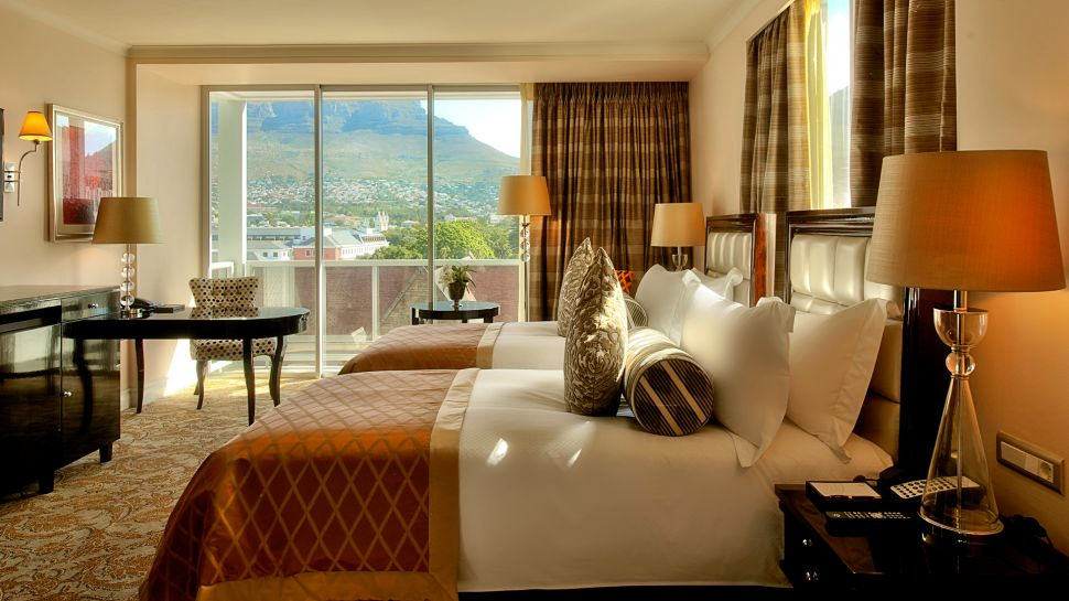Top 10 best luxury hotels in cape town south africa for Best private dining rooms cape town