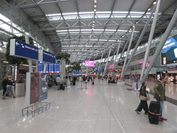 Singapore Airlines A350 Business Class Düsseldorf to Singapore