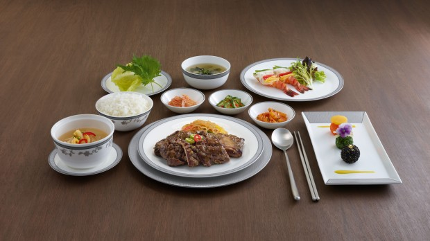 Top 10: world's best airlines for in-flight meals by The Luxury Travel Expert